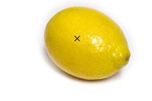 sacar el jugo de un limón sin cortarlo