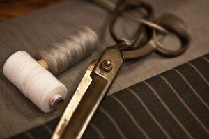 Afilar tijeras de costura